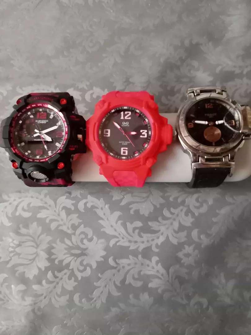 Vendo tres relojes o cada uno por separado