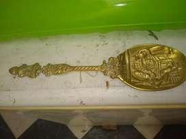 Cucharon de bronce