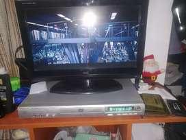Tv AOC con detalle en la pantalla