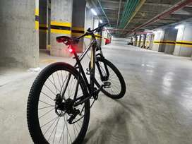 Bicicleta con accesorios