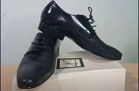 Calidad y Elegancia zapatos en Cuero