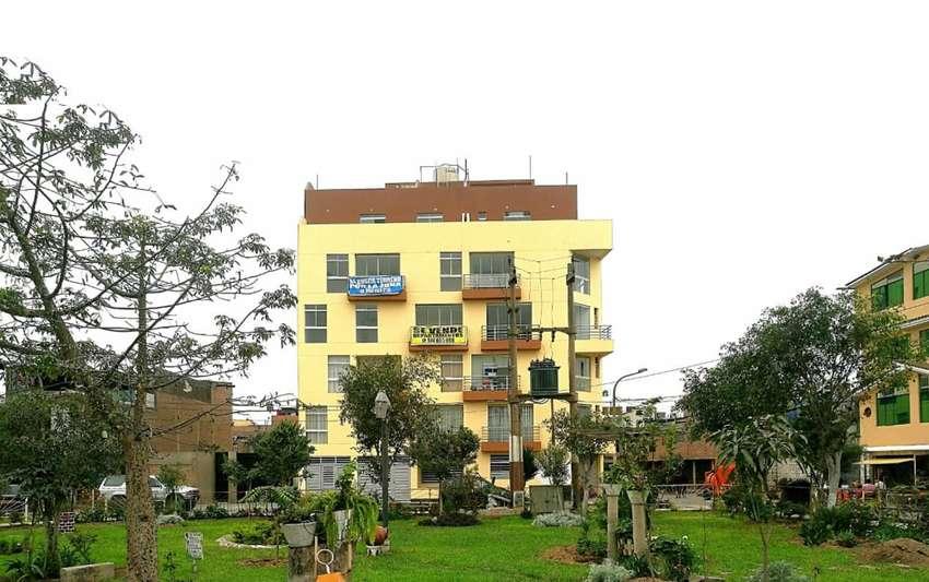 Remato triplex 144m2 (3 dormitorios) en SMP, frente a parque, ubicado en el 5to piso sin ascensor. 0
