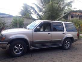 VENDO LINDO FORD EXPLORER $7200 NEGOCIABLE