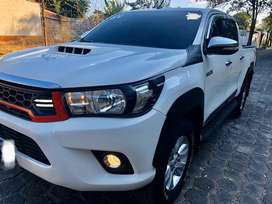 Vendo Impecable Toyota Hilux Año 2016 4x4 3.0 Full