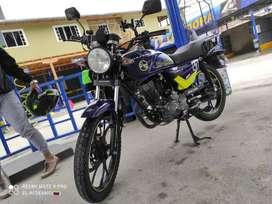 Moto thunder azul en buen estado 2 meses de uso