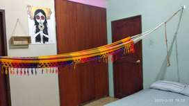 Habitación para chicas dentro de departamento compartido