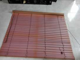 Se vende perciana seminuevos material: formica de color madera muy Bonita