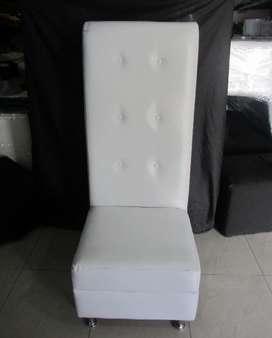 Sofa blanco de vinil individual con respaldar alto