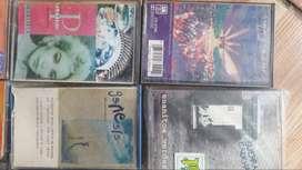 coleccion de casettes de los 90s