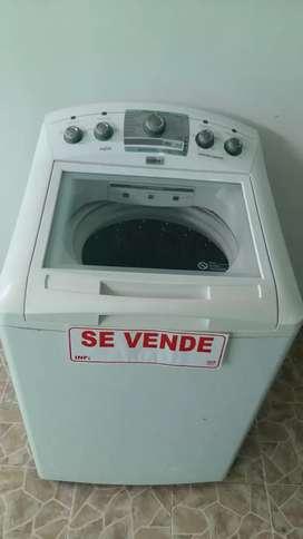 Hernosa lavadora como nueva