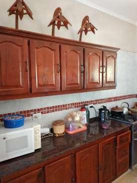 Espectacular departamento  de 2 ambientes  cocina con bajo mesada alacena, placard  calefon agua calientes
