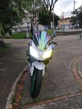 Se Vende Linda moto Kawasaki