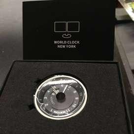 Reloj mundial único de Bloomberg: edición limitada 2007
