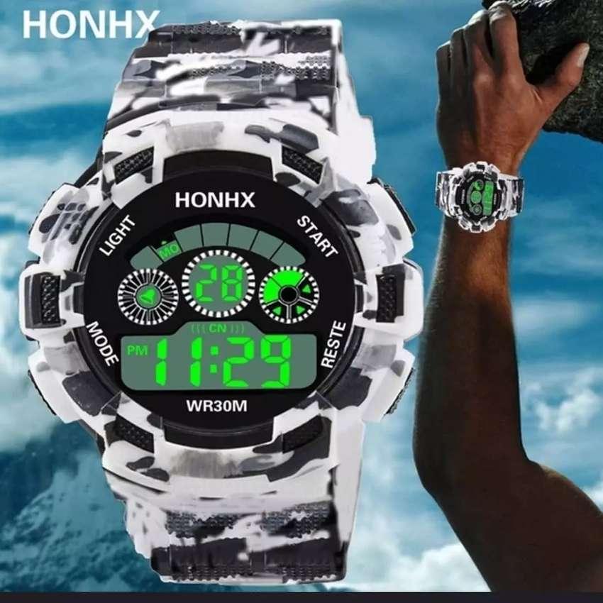 Reloj HONHX camuflado, luminoso, hora militar, horario normal, pulso ajustable resistente al agua 0
