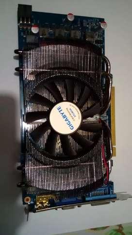 Tarjeta video GeForce Gigabyte 1 GB  256 bits