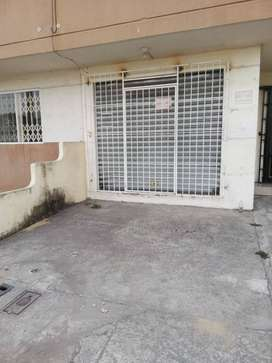 ALQUILO LOCAL COMERCIAL MUCHO LOTE 2