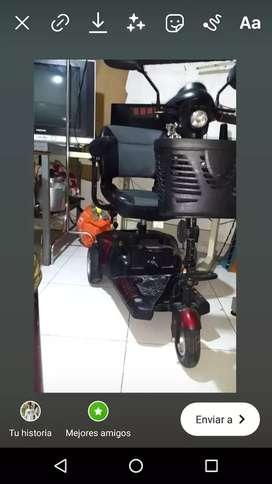 Se vende moto scooter aún muy buen precio