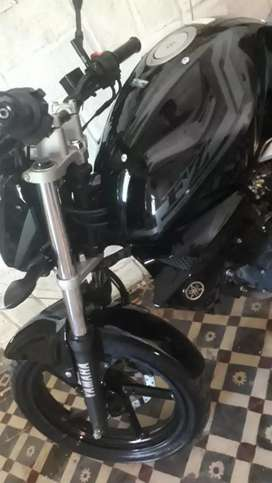 Única !!! Vendo Yamaha fz 150cc solo efectivo