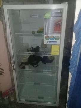 Ola  vendo un congelador nuevo por motivos de viaje