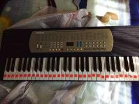 teclado yamaha YM-2100