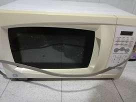 Horno microondas Respuestos o para arreglar