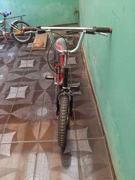 Vendo bicicleta para niño o niña aro 16