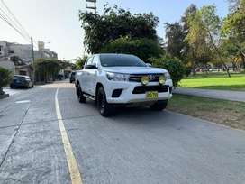 Toyota Hilux 2015 SR