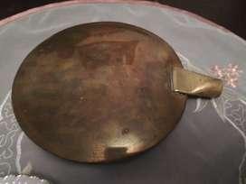 Patena antigua en bronce
