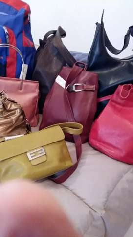 Carteras y  bolsos mujer usados exelentes  t/ cueros cada unidad $750.  +