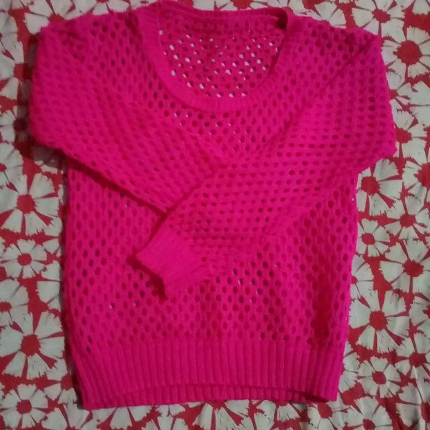 Sweater fucsia talle 6 0