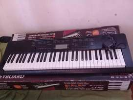 Vendo Piano Electronico CASIO CTK-3200