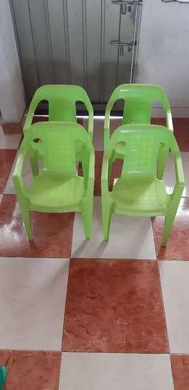 Vendo mesa y sillas Rimax