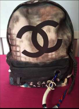 Cartera Mochila Chanel Grafitti Destroyed