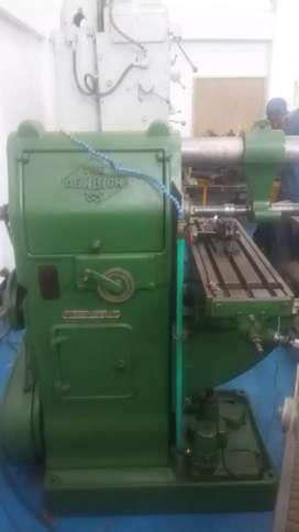 Vendo fresadora y otros tipos de de maquinaria para taller industrial