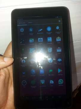 Vendo tablet en buen estado ,o cambio x un samsung  j7 y plata arriba