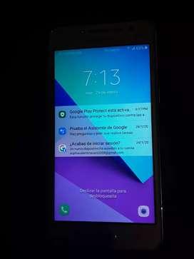 Se vende celular J2.
