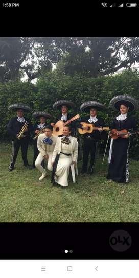 Eliana y el mariachi tequia