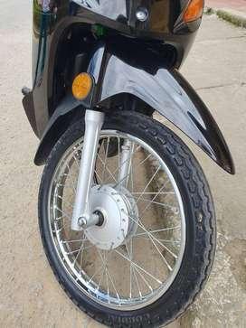 Se vende moto bien tenia