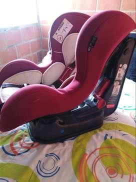Compre su silla de bebé para el carro