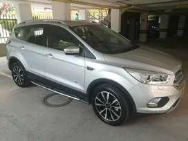 Vendo camioneta Ford Escape Titanium