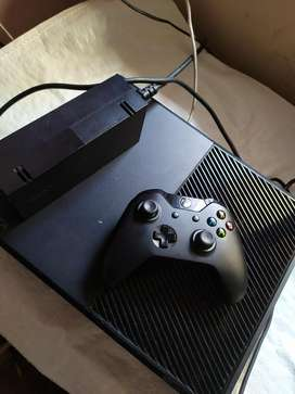 Vendo Cambio Xbox One R 500gb con Caja