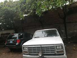Vendo Ford F350 motor lineal 6cc. 2F land cruiser