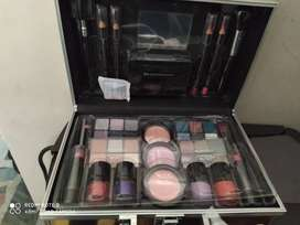 MALETIN ESTUCHE COFRE MAQUILLAJE THE COLOR WORKSHOP NUEVO