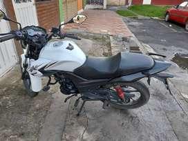 Moto akt CR 4, modelo 2020 color blanca unico dueño