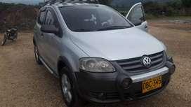 Se vende carro crossfox de  wolwagen modelo 2008. Excelente estado se vende por motivo de viaje