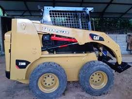 Minicargador caterpillar 236b año 2010