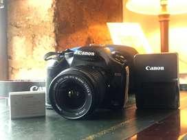 Cámara Canon EOS Rebel Xsi con lente y estuche