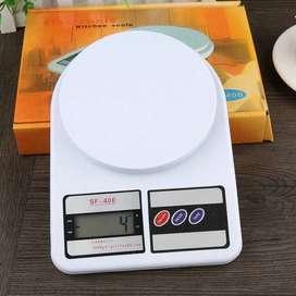 Bascula color blanca perfecto para tu hogar u oficina, peso hasta 10 KILOGRAMOS,  facil/ portable