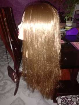 Se vende cabeza de muñeca para peluquería