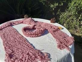 Bufanda rosa de lana y cuellito